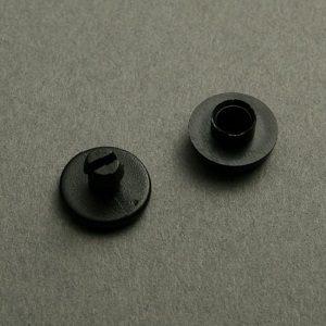 remache plastico negro